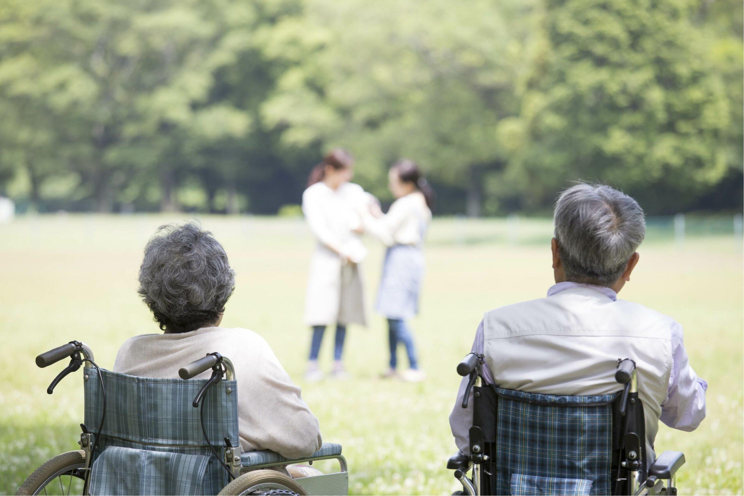 75歳以上医療費2割負担へ「今の若者は何割になる?」(日経BP)